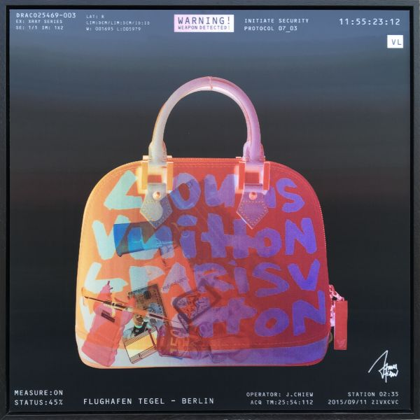 James Chiew: Lenticular X-Ray Bag, Berlin Tegel II Security